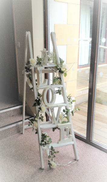 Props To Hire Wedding Amp Events Flower Wreaths